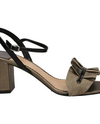 Sandále, žabky The Seller