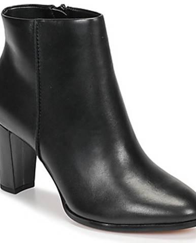 Topánky Clarks