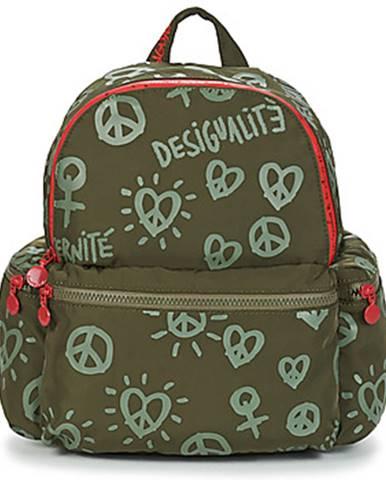 Batohy, ruksaky Desigual